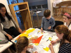 Nachmittagsaktion Kreativwerkstatt Bild 3 Bastelgruppe