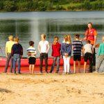 Andreas Bolten erklärt das Kanu fahren